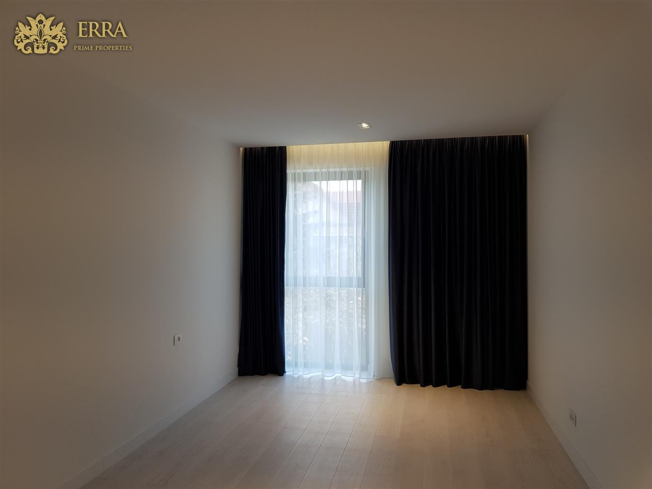 Apartamente noi 3 sau 4 camere. Iancu Nicolae