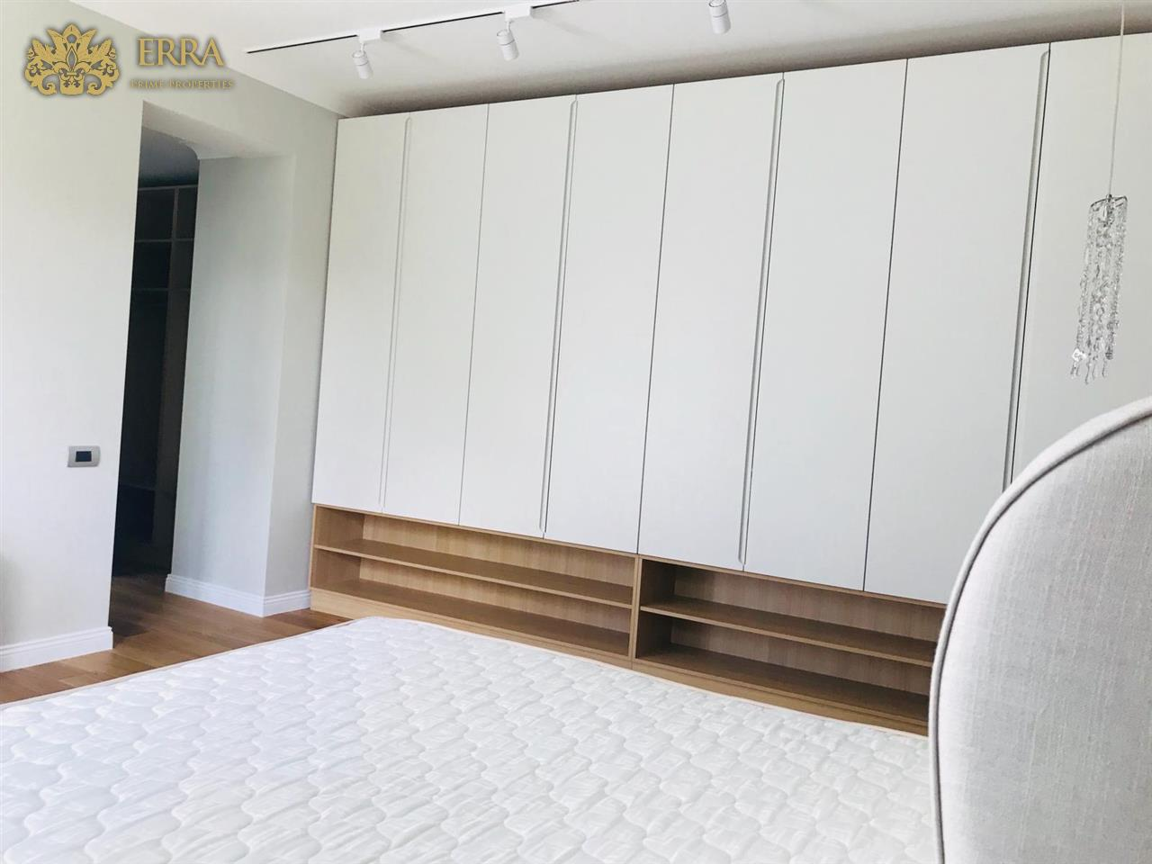 Apartament in vila interbelica Aviatorilor