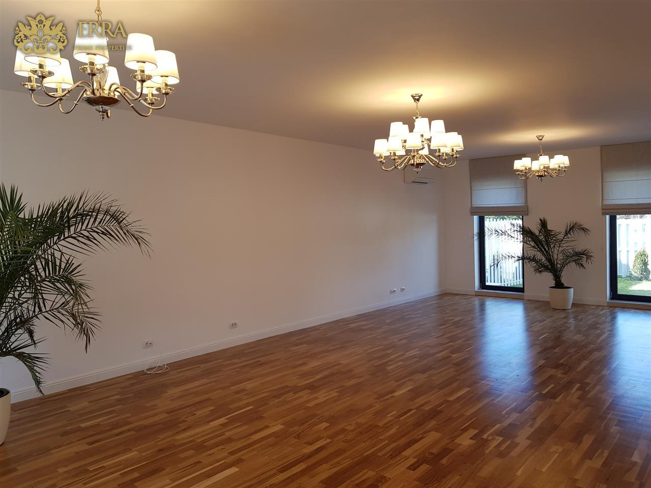 Vila noua, eleganta. Iancu Nicolae