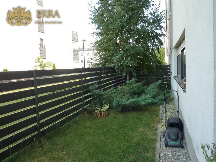 Apartament 3 camere cu gradina, 2 locuri parcare in garaj. Iancu Nicolae