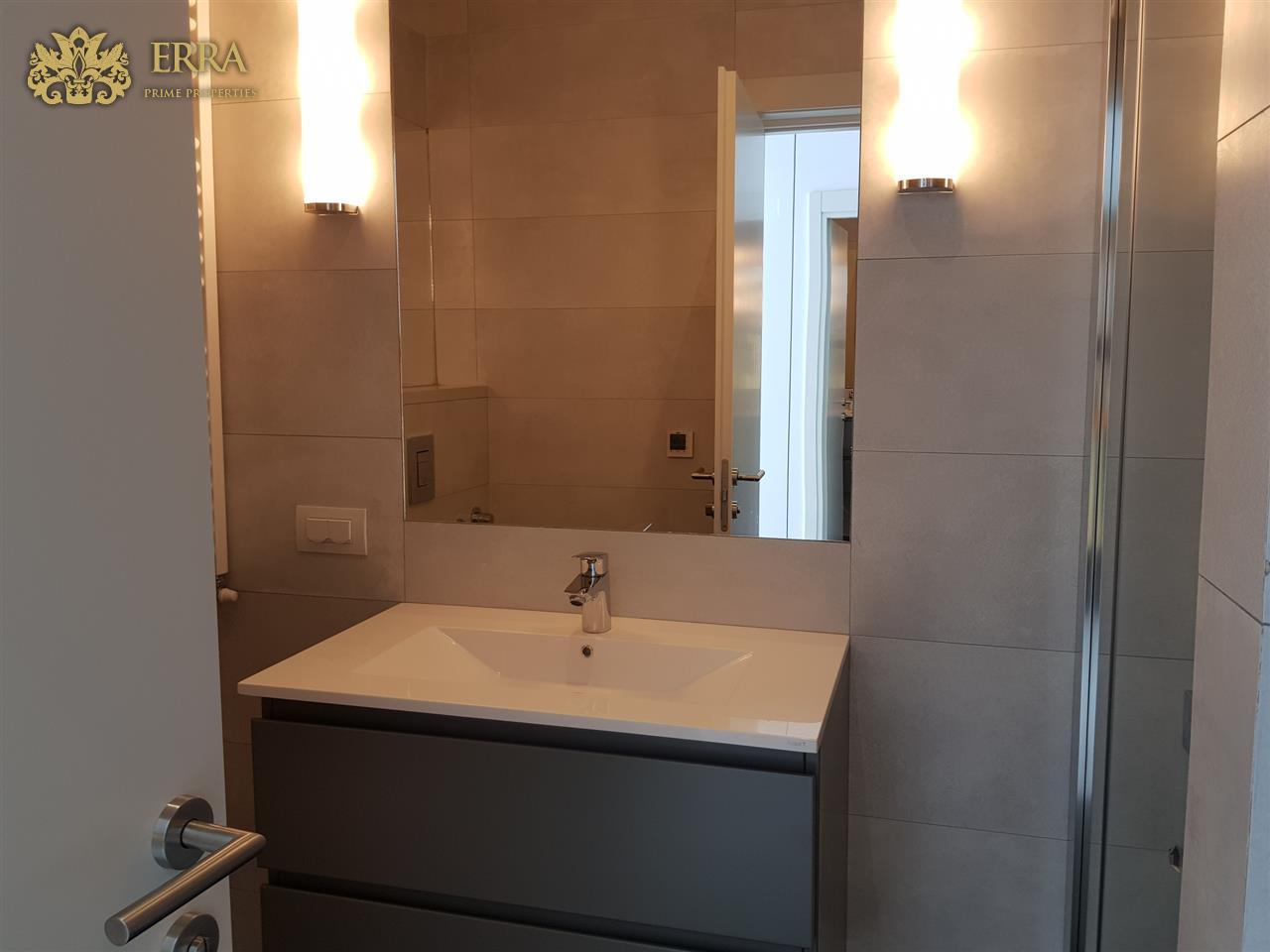 First rental, modern apartment Romana