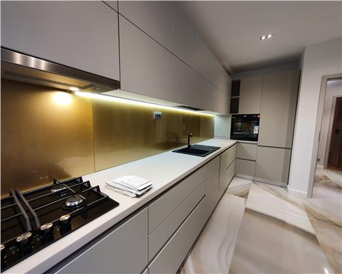 Apartament superb, 4 camere, garaj! Prima inchiriere.