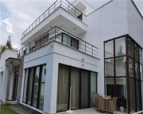 Vila cu arhitectura moderna. Iancu Nicolae