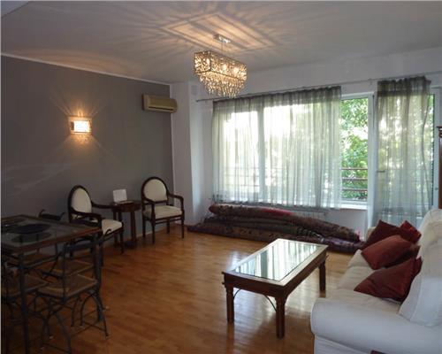 Apartament 4 camere, Primaverii